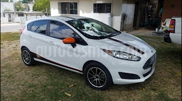 Foto venta Auto usado Ford Fiesta Hatchback S (2015) color Blanco Oxford precio $136,000