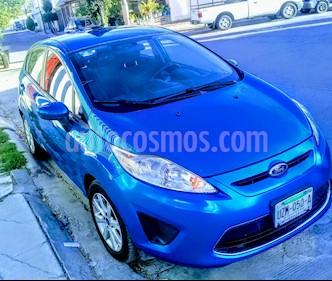 Foto venta Auto usado Ford Fiesta Hatchback SE  Aut (2012) color Azul Brillante precio $109