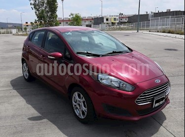 Foto venta Auto usado Ford Fiesta Hatchback SE  Aut (2014) color Rojo Rubi precio $130,000