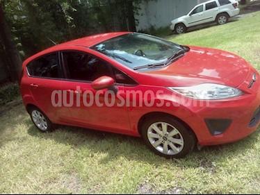 Foto venta Auto usado Ford Fiesta Hatchback SE  Aut (2013) color Rojo Racing precio $119,200