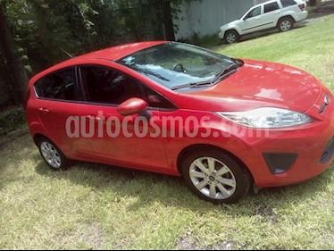 Foto venta Auto usado Ford Fiesta Hatchback SE  Aut (2013) color Rojo Racing precio $91,400