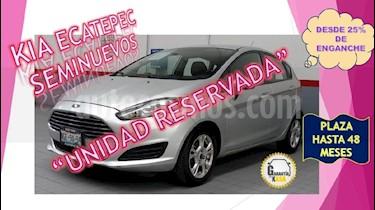 Foto venta Auto Seminuevo Ford Fiesta Hatchback SE Aut (2014) color Plata precio $139,000