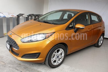 Foto venta Auto usado Ford Fiesta Hatchback SE  (2016) color Naranja precio $208,000