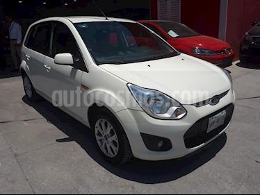 Foto Ford Fiesta Hatchback Trend usado (2013) color Blanco precio $105,000