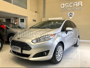 Ford Fiesta Kinetic Sedan Titanium Aut usado (2013) color Plata Estelar precio $539.000