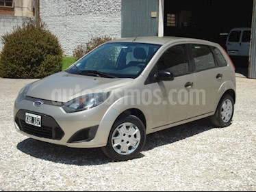 Foto venta Auto usado Ford Fiesta Kinetic Sedan SE Plus  (2011) color Beige precio $130.000