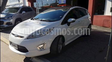 Foto venta Auto usado Ford Fiesta Kinetic Sedan SE Plus  (2012) color Blanco precio $295.000