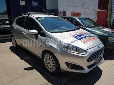 Ford Fiesta Kinetic Sedan SE Plus  usado (2014) color Gris Claro precio $385.000