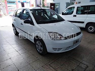 Foto venta Auto usado Ford Fiesta Kinetic Sedan SE Plus  (2005) color Blanco