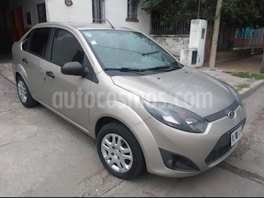 Foto venta Auto usado Ford Fiesta Kinetic Sedan SE Plus  (2012) color Beige precio $195.000