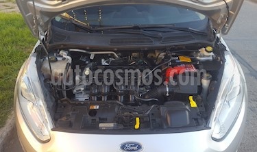 Foto venta Auto Usado Ford Fiesta Kinetic Sedan SE Plus  (2014) color Plata precio $310.000