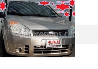 Foto venta Auto usado Ford Fiesta Kinetic Sedan SE Plus  (2009) precio $145.000