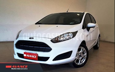 Foto venta Auto usado Ford Fiesta Kinetic Sedan SE Plus  (2014) color Blanco precio $349.000