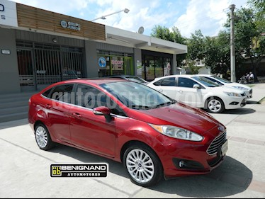 Foto venta Auto usado Ford Fiesta Kinetic Sedan Titanium Aut (2013) color Bordo precio $379.000