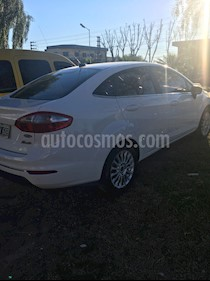 Ford Fiesta Kinetic Sedan Titanium Aut usado (2013) color Blanco precio $390.000