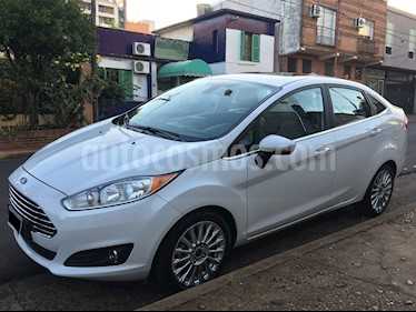 Foto venta Auto usado Ford Fiesta Kinetic Sedan Titanium Aut (2016) color Blanco Oxford precio $490.000