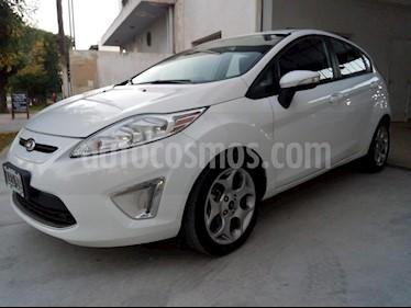 Foto venta Auto usado Ford Fiesta Kinetic Sedan Titanium Aut (2012) color Blanco precio $111.111