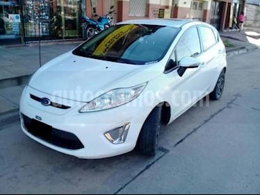 Foto venta Auto Usado Ford Fiesta Kinetic Sedan Titanium Aut (2011) color Blanco precio $250.000