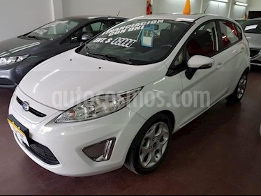 Foto venta Auto Usado Ford Fiesta Kinetic Sedan Titanium Aut (2011) color Blanco precio $265.000