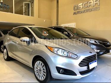 Foto venta Auto usado Ford Fiesta Kinetic Sedan Titanium (2016) color Plata Estelar precio $495.000