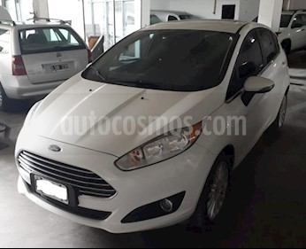 Foto Ford Fiesta Kinetic Sedan Titanium usado (2015) color Blanco precio $450.000