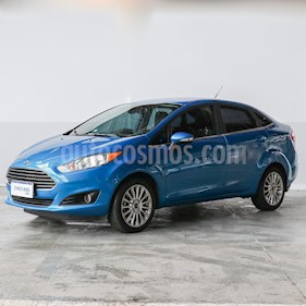 Foto Ford Fiesta Kinetic Sedan Titanium usado (2018) color Azul Mediterraneo precio $703.000