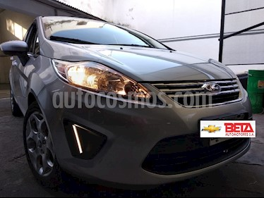 Foto venta Auto usado Ford Fiesta Kinetic Sedan Trend Plus (2013) color Plata precio $415.000