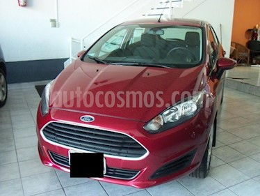 Ford Fiesta Kinetic - usado (2015) color Bordo precio $499.900
