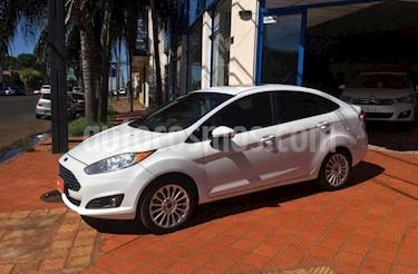 Foto venta Auto usado Ford Fiesta Kinetic - (2015) color Blanco precio $390.000