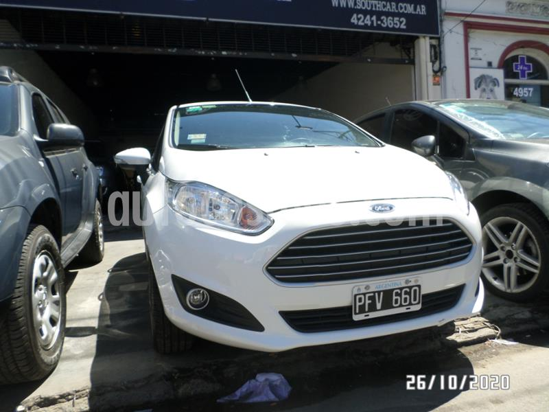Ford Fiesta Kinetic SE  usado (2015) color Blanco precio $1.015.000