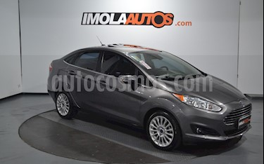 Ford Fiesta Kinetic Titanium Powershift usado (2013) color Gris Grafito precio $550.000