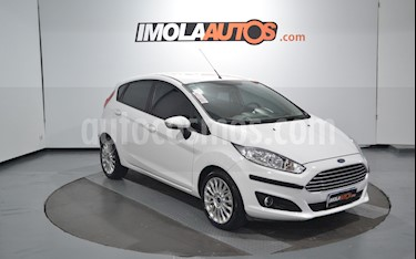 Ford Fiesta Kinetic SE  usado (2016) color Blanco Oxford precio $620.000