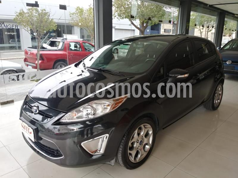 Ford Fiesta Kinetic Titanium usado (2013) color Negro precio $560.000