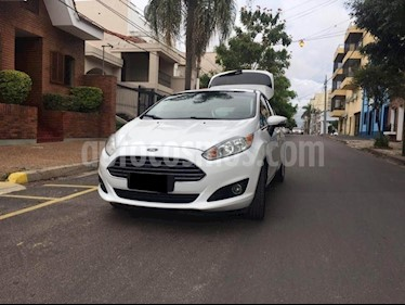 Ford Fiesta Kinetic Titanium Powershift usado (2015) color Blanco precio $720.000