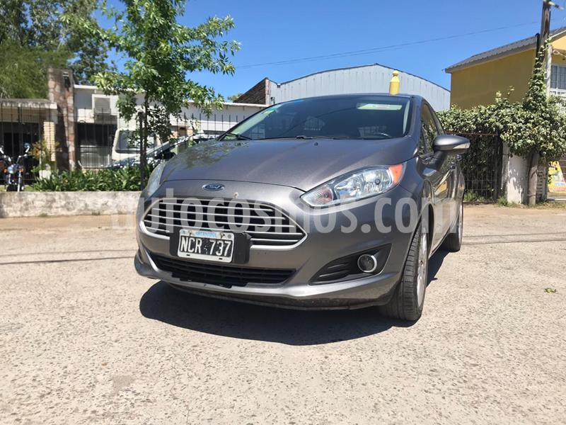 Ford Fiesta Kinetic S Plus usado (2014) color Gris precio $900.000
