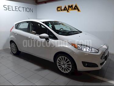 Ford Fiesta Kinetic Titanium usado (2014) color Blanco precio $650.000