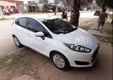 Ford Fiesta Kinetic S usado (2015) color Blanco Oxford precio $580.000