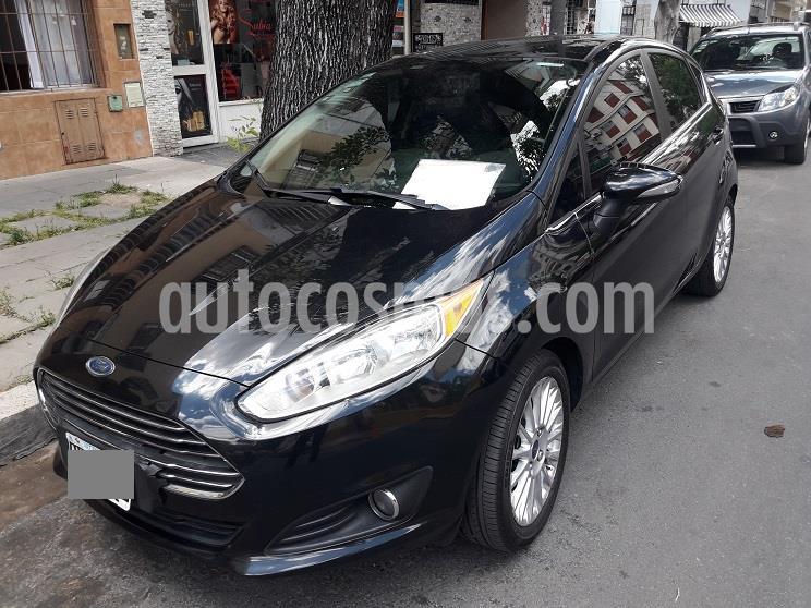 Ford Fiesta Kinetic Titanium usado (2014) color Negro Perla precio $899.900