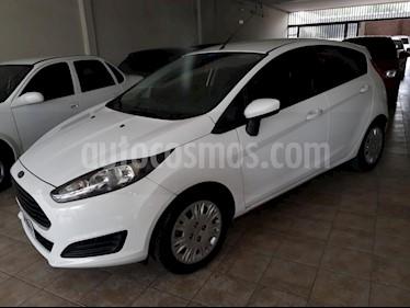 Ford Fiesta Kinetic S usado (2015) color Blanco precio $350.000