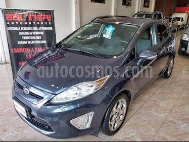 Ford Fiesta Kinetic Titanium usado (2013) color Azul precio $570.000
