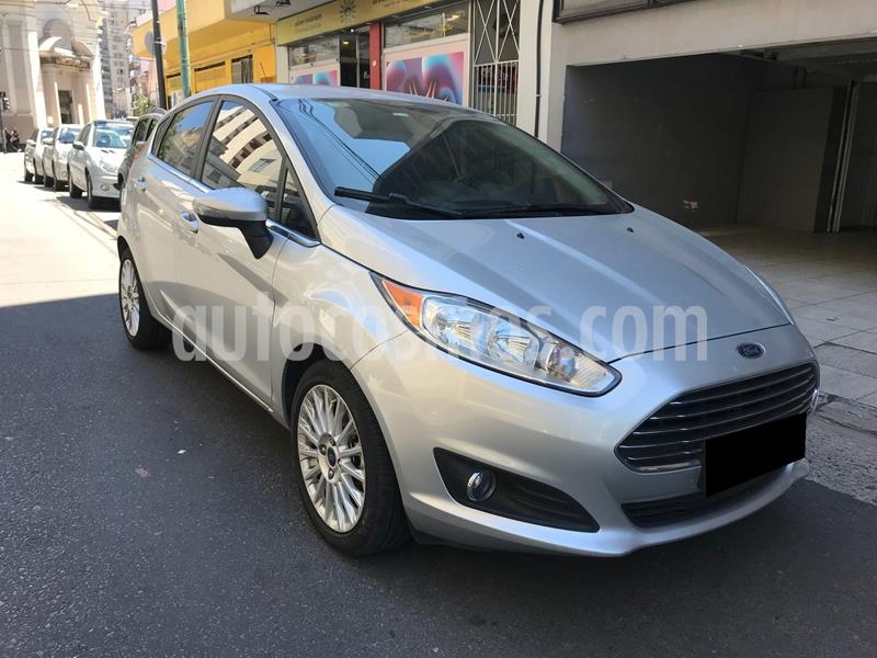 Ford Fiesta Kinetic Titanium Powershift usado (2016) color Plata Estelar precio $1.290.000