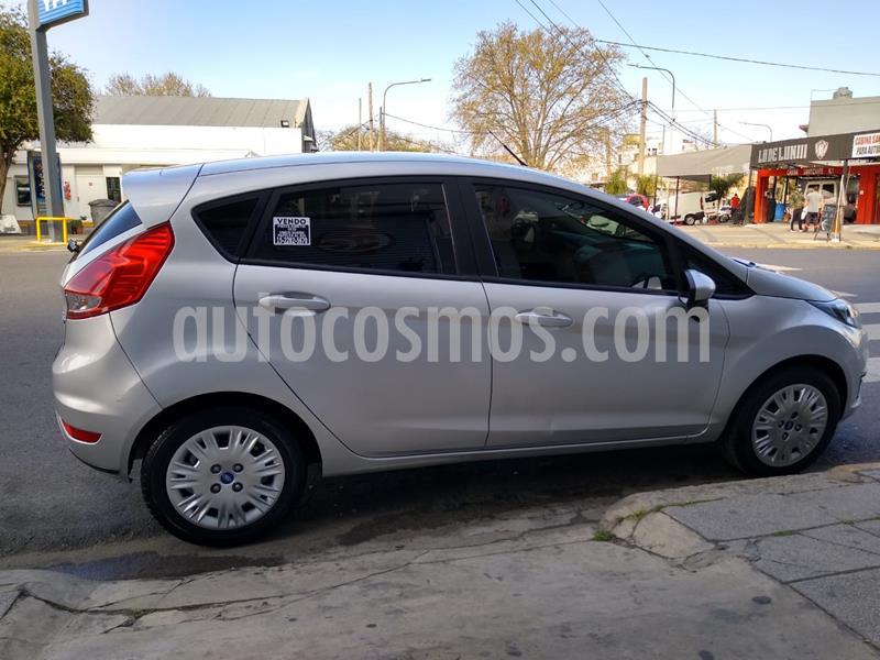 Ford Fiesta Kinetic S usado (2015) color Gris precio $760.000