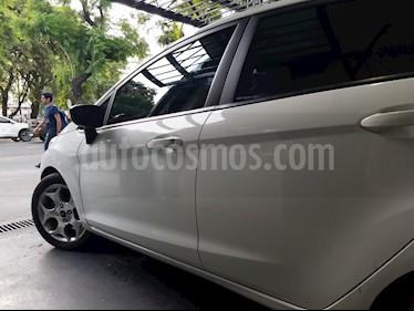 Ford Fiesta Kinetic Titanium usado (2013) color Blanco precio $600.000