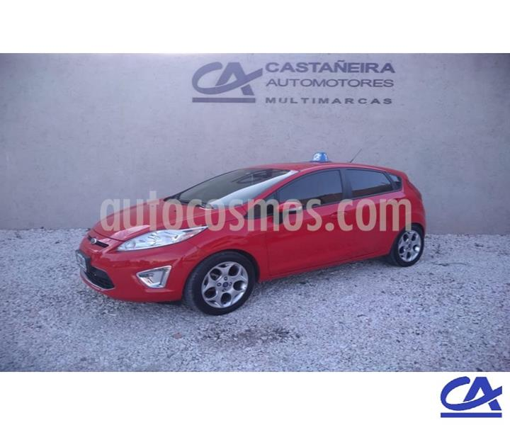 Ford Fiesta Kinetic Titanium usado (2013) color Rojo precio $996.000
