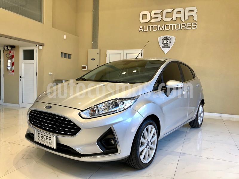 Ford Fiesta Kinetic Titanium usado (2018) color Gris Plata  precio $1.089.000
