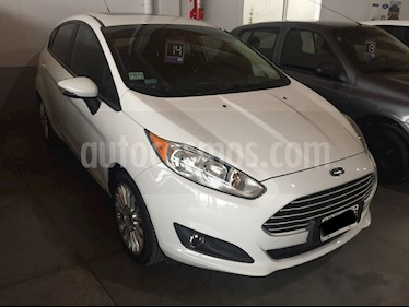 Ford Fiesta Kinetic 5P 1.6 SE Plus MT (120cv) usado (2014) color Blanco precio $680.000