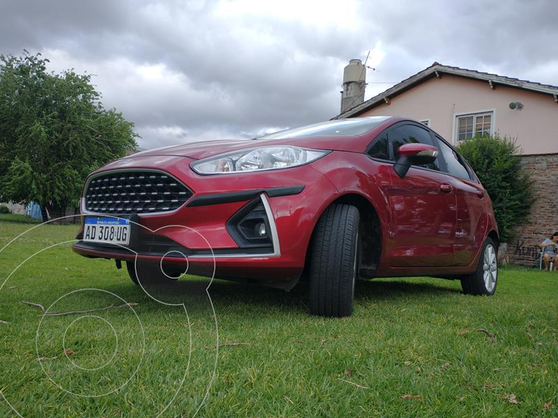Ford Fiesta Kinetic SE usado (2018) color Rojo Rubi precio $1.325.000