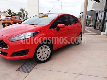 Ford Fiesta Kinetic S usado (2015) color Rojo precio $595.000