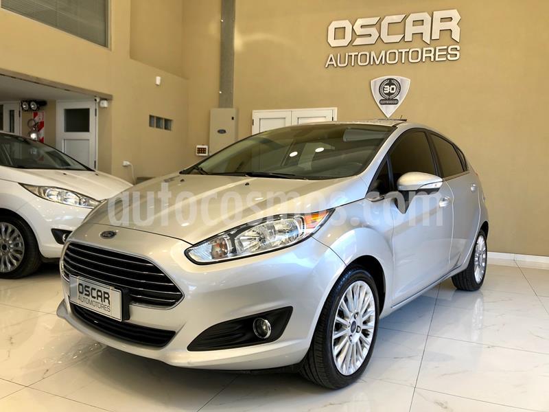 Ford Fiesta Kinetic Titanium usado (2014) color Plata Estelar precio $949.000