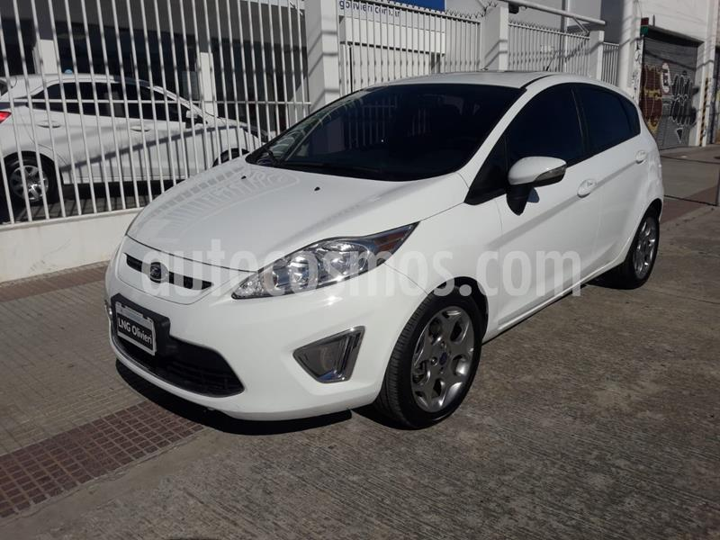 Ford Fiesta Kinetic Titanium usado (2012) color Blanco Oxford precio $640.000